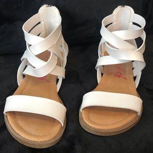 Girls Blowfish Sandal, size 2